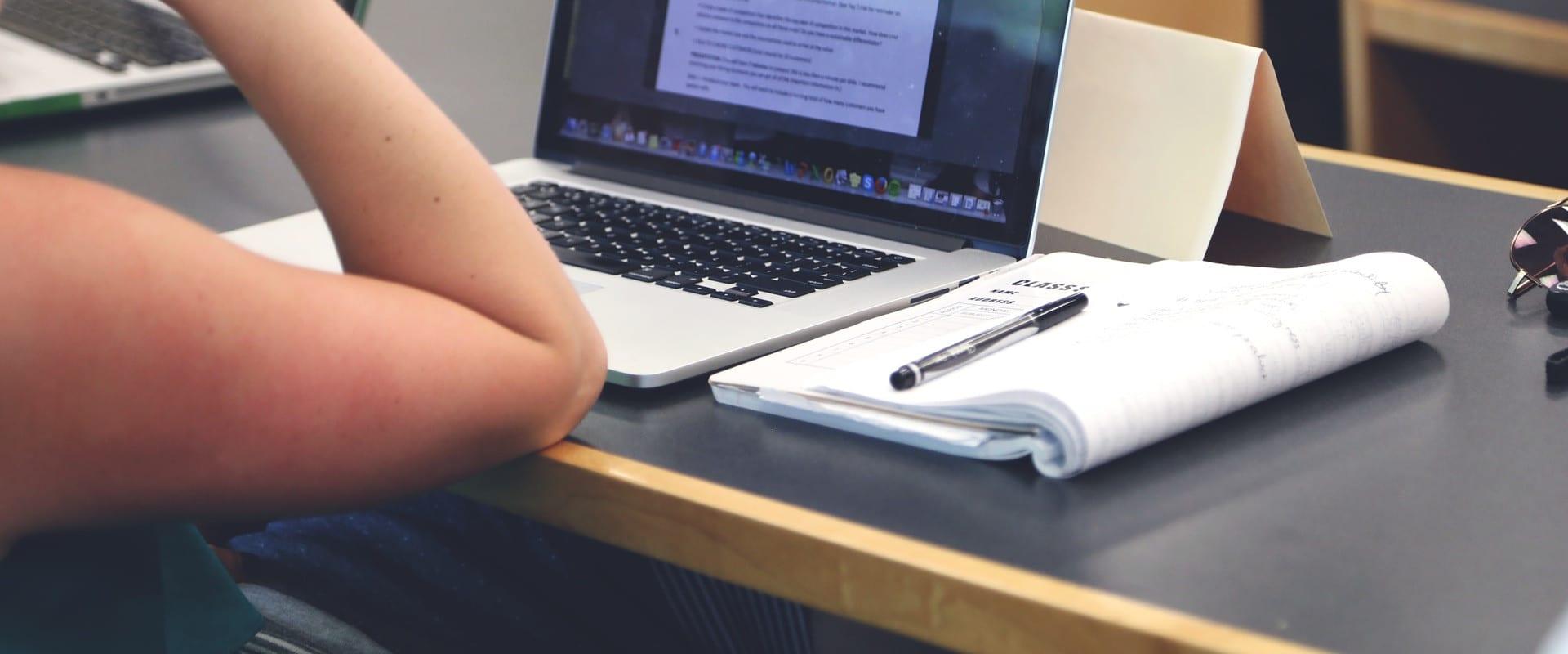 Rédiger des contenus en écriture inclusive, un défi pour les professionnels du SEO